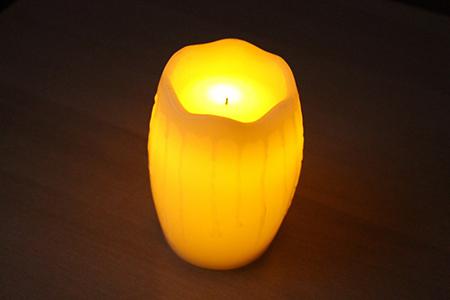 желтая свеча